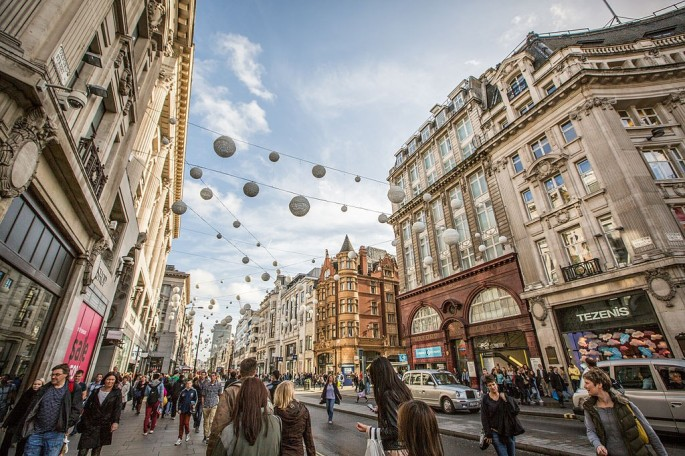 regent_street__oxford_street_london_12297634063-1024x683